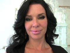 Cock-hungry boss Veronica Avluv is seducing her new employee