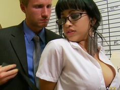 Suckretary likes the hot desires of her boss