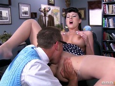 Alexis Grace is sucking a nice cock of Van Wylde