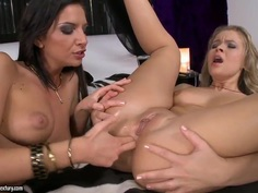 Bambi and Colette W. fingering and dildoing