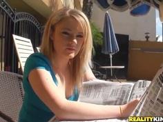 Blonde Scarlett Sweets teasingly plays for Voodoo