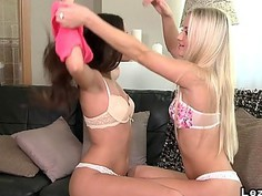 Blonde and brunette lesbians oral sex