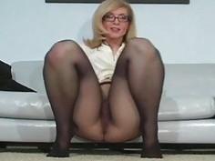 Diva with fake billibongs flaunts in hose