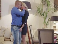 Victoria put her lips on the tip of his cock and started sucking