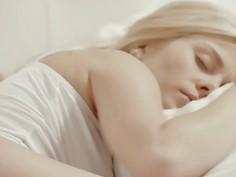 Blonde angel penetrated in hotel motel