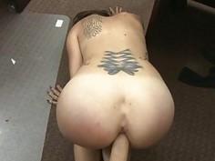 Sexy hottie babe fuckin a huge cock