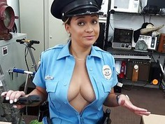 Latina police officer pawns her pussy