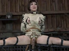 Masked angel with exposed cunt acquires flogging