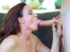 Diamond Foxxx sucking and deepthroating huge penis