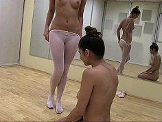 Ballerinas making lesbian love