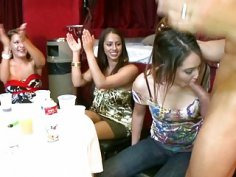 Stripper gets his rod delighted by several honeys