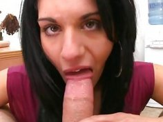 Hot mamma goes for large pecker
