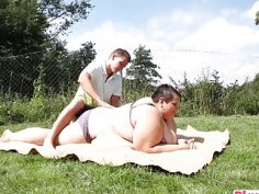 Fat chick with huge curves gets massaged and orally pleasured