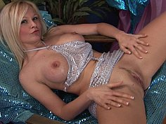 Fisting and fucking long legged blondie