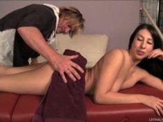 Voluptuous senorita Esperanza Diaz gets a pussy massage from Evan Stone