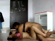Desi Colg Lovers Fuck in Classroom