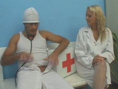 Sextractive nurse hops on a meety cock of doctor