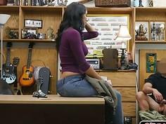 Feisty latina Jessi Pawn A Bearded Dragon